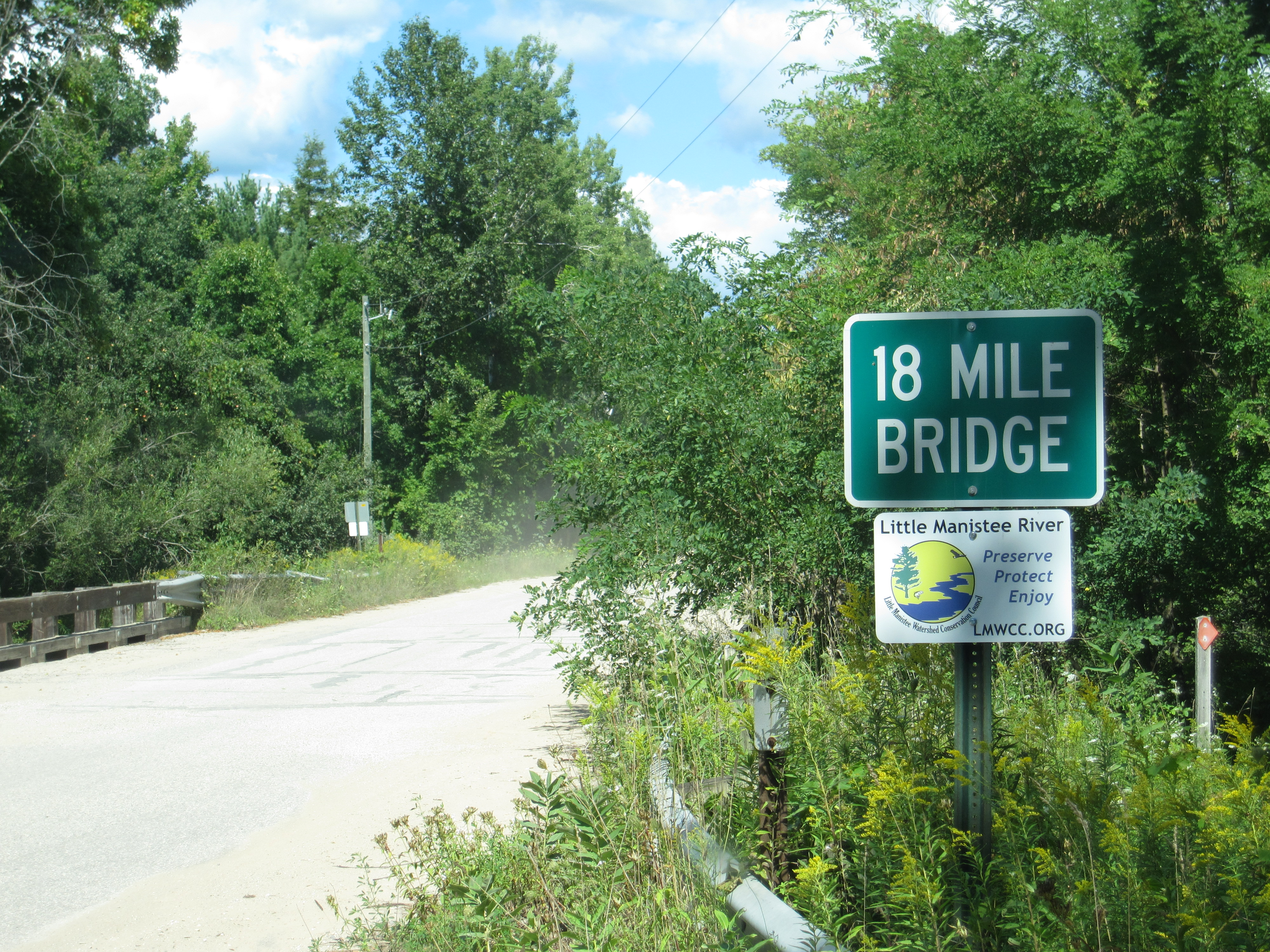 River Signs Installed on Bridges